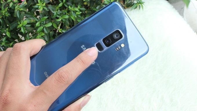 Mở khóa Galaxy S9 Plus bằng cảm biến vân tay