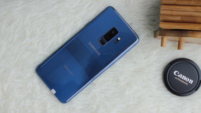 Mặt lưng Galaxy S9 Plus Mỹ
