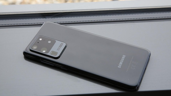 Thiết kế cao cấp xứng đáng với dòng smartphone đầu bảng
