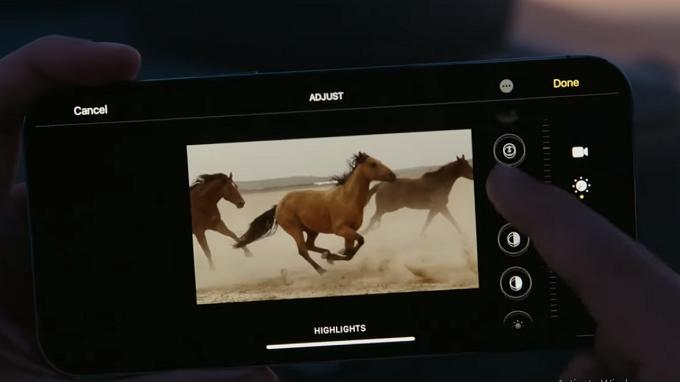 iPhone 12 Pro iPhone 12 Pro Max còn hỗ trợ HDR10+, công nghệ TrueTone cho chất lượng hiển thị sắc nét