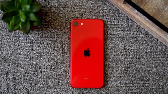 iPhone SE 2020 màu đỏ sở hữu cấu hình mạnh mẽ, đáng kinh ngạc