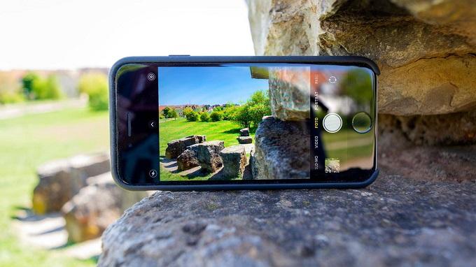 iPhone SE 2020 được trang bị cụm camera đơn chuyên nghiệp
