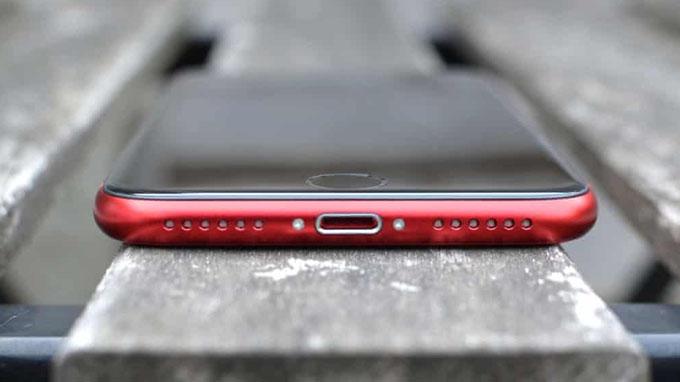 Thời lượng pin iPhone SE 2020 được đánh giá cao