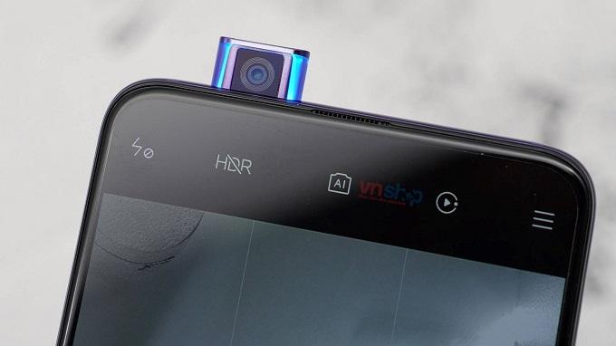 Redmi K30 Pro đã sử dụng một modul pop up để chưa camera selfie