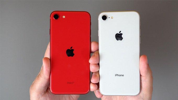 iPhone SE 2020 so với iPhone 8 khác nhau ở vị trí đặt logo và loại bỏ dòng chữ iPhone