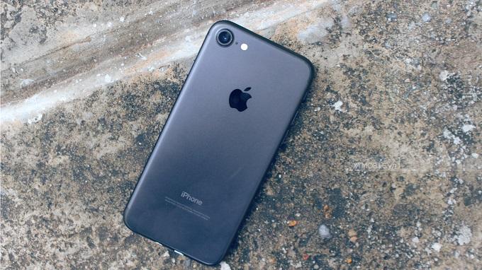 Mặt lưng iPhone 7 với camera đơn