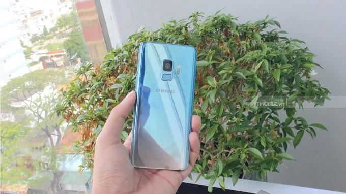 Galaxy S9 Ice Blue toát lên một nét sang trọng của một chiếc smartphone cao cấp