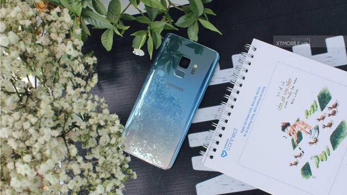 Mặt lưng kính trên Galaxy S9 và Galaxy S9 Plus