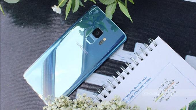 Galaxy S9 màu xanh gradient độc đáo