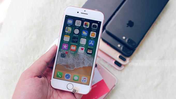 iPhone 8 dễ dàng cầm nắm, thao tác bằng một tay