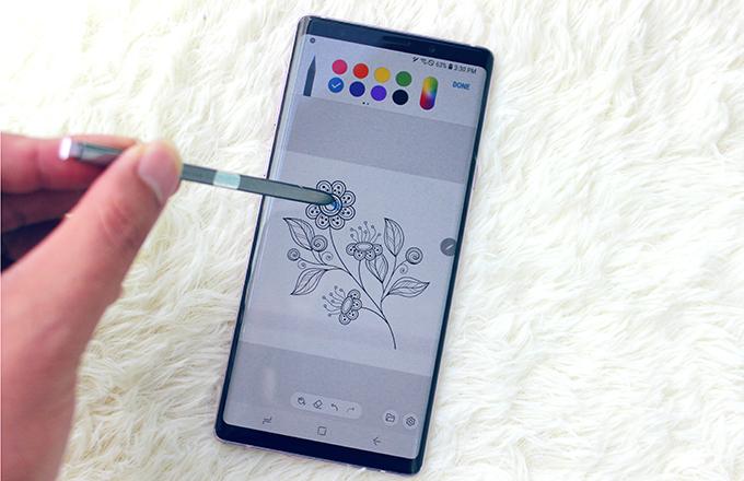 Bút S Pen mang lại nhiều tính năng thú vị và đặc trưng cho Galaxy Note 9