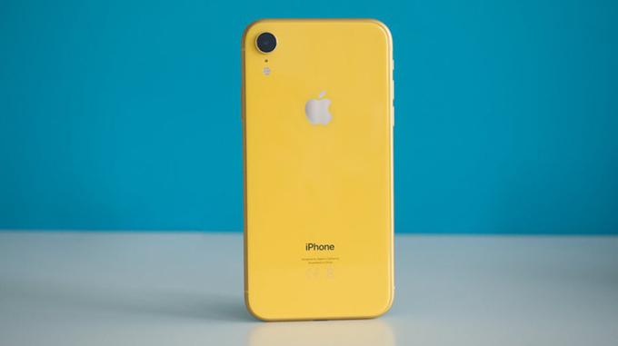 iPhone Xr được ốp loại kính cao cấp nhất năm 2018
