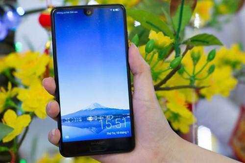 Mua điện thoại chính hãng giá chưa đến 6 triệu