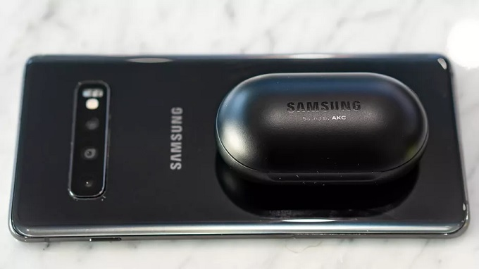 Tính năng sạc ngược không dây của Galaxy S10