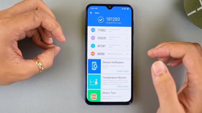Xiaomi Mi 9 SE là điện thoại đầu tiên sở hữu chip xử lý Snapdragon 712