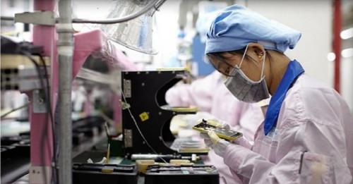 Dây chuyền sản xuất iPhone 6s cũng vừa bị lên hình
