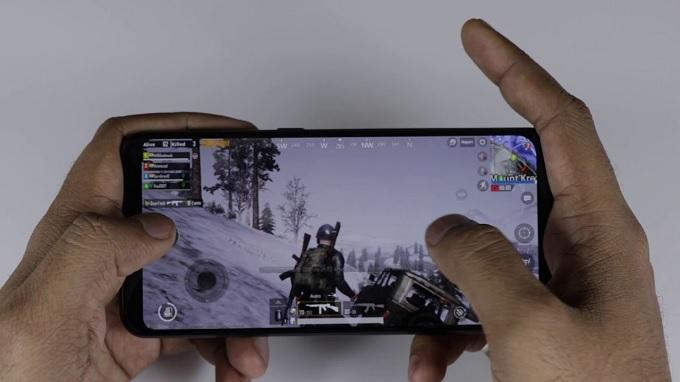 Chơi game cực đã với Galaxy A50