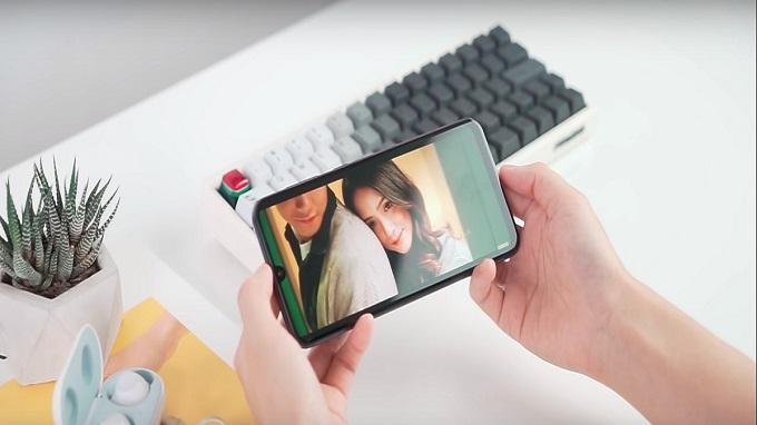 Galaxy A50 là chiếc điện thoại tầm trung đẳng cấp, vượt ngoài mong đợi người dùng.