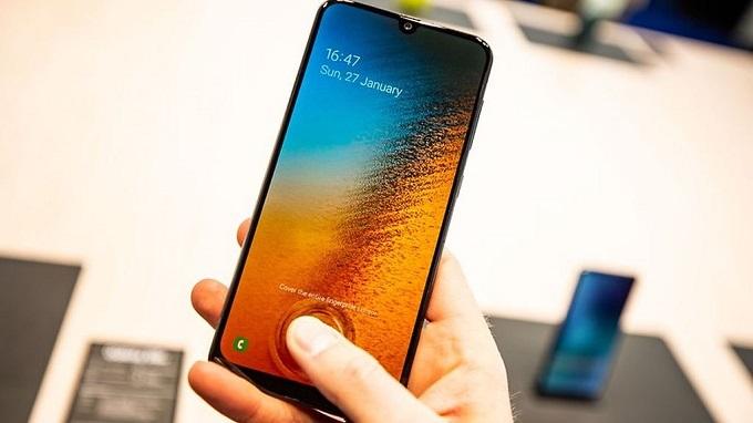 Galaxy A50 dùng cảm biến vân tay quang học trong màn hình