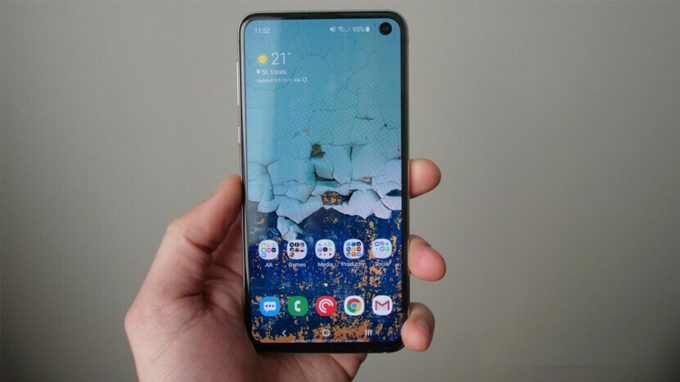 Galaxy A90 giá rẻ hơn Galaxy S10e và được trang bị chip Snapdragon 855
