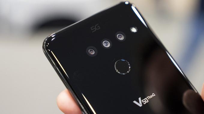 Lg V50 ThinQ sở hữu 3 camera mặt sau, hỗ trợ chụp ảnh chuyên nghiệp