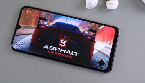 Galaxy A50 giá rẻ đích thị là smartphone dành cho giới trẻ