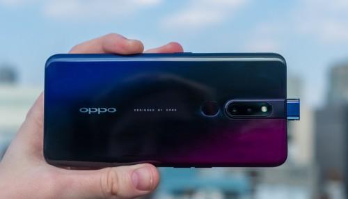 Camera selfie của Oppo F11 Pro có thể ''thò thụt'' 100 lần/ngày trong 6 năm