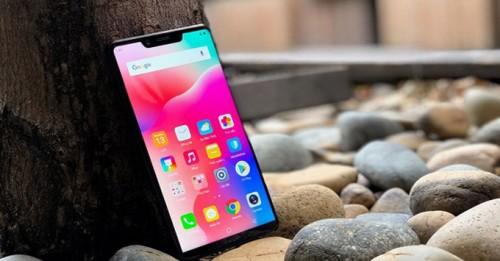 Ngoài ''tai thỏ'' như iPhone X thì Sharp Aquos S3 có gì nổi bật?