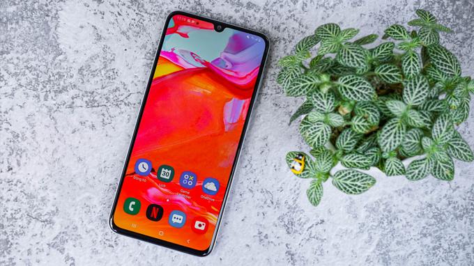 Galaxy A70 sở hữu màn hình kích thước lên đến 6,7 inch