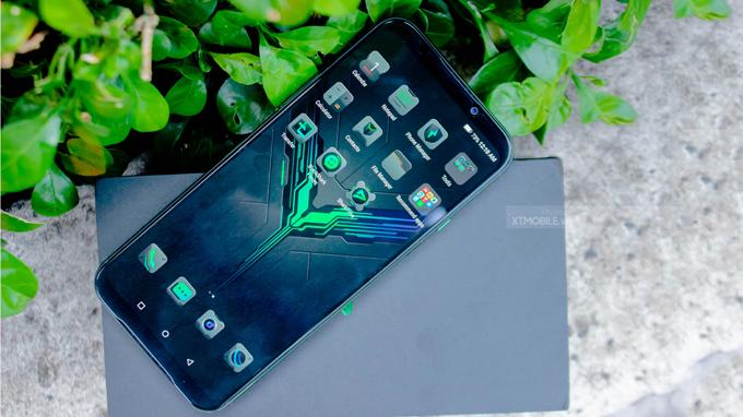 Black Shark 2 8GB/256GB được trang bị màn hình Super AMOLED với kích thước 6,39 inch