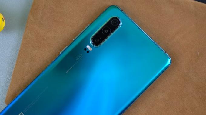 Camera Huawei P30 không quá nổi bật như P30 Pro