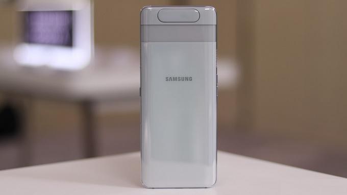 Thiết kế Galaxy A80 mới liền lạc và độc đáo