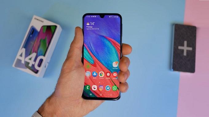 Galaxy A40 được trang bị màn hình Infinity-U Super AMOLED