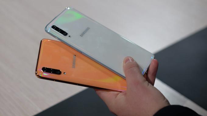 Samsung Galaxy A70 tự hào là thiết bị sở hữu thiết kế cao cấp
