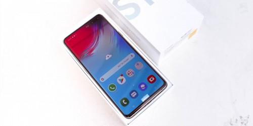 Cách cài phông chữ Samsung One trên Galaxy S10 siêu dễ