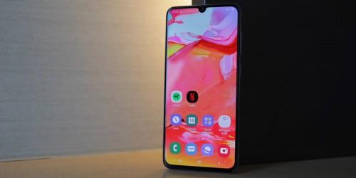 Galaxy A70 ra mắt tại Việt Nam, giá chỉ 9,29 triệu đồng