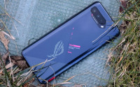 So sánh Asus ROG Phone 5 và Xiaomi Black Shark 4 Pro đâu là lựa chọn gaming tốt hơn