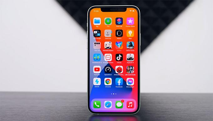 iPhone 12 64GB cũ được trang bị màn hình OLED 6,1 inch