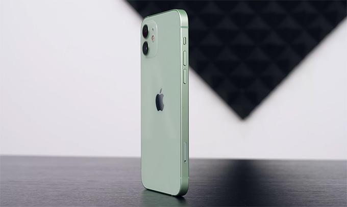 Thiết kế iPhone 12 64GB cũ được đánh giá cao hơn so với iPhone 11
