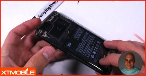 """Đến lượt Xiaomi Mi 6 cũng được độ mặt lưng """"trong suốt"""""""