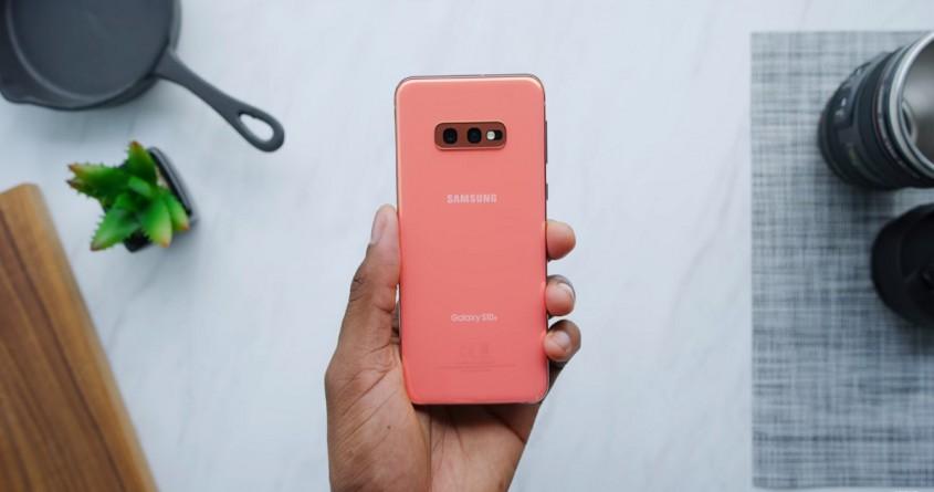 So sánh Galaxy S10e và Huawei P30 Lite: Thiết bị nào đáng mua?