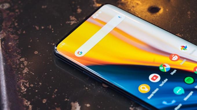 Các cạnh màn hình OnePlus 7 Pro siêu mỏng