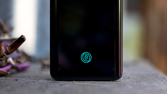 OnePlus 7 Pro còn được tích hợp cảm biến vân tay quang học