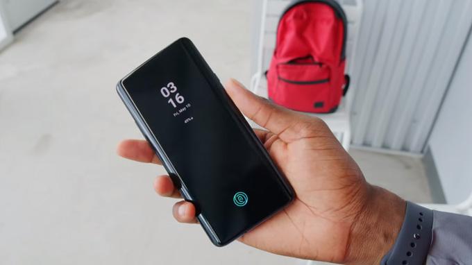 OnePlus 7 Pro được trang bị cảm biến vân tay quang học dưới màn hình
