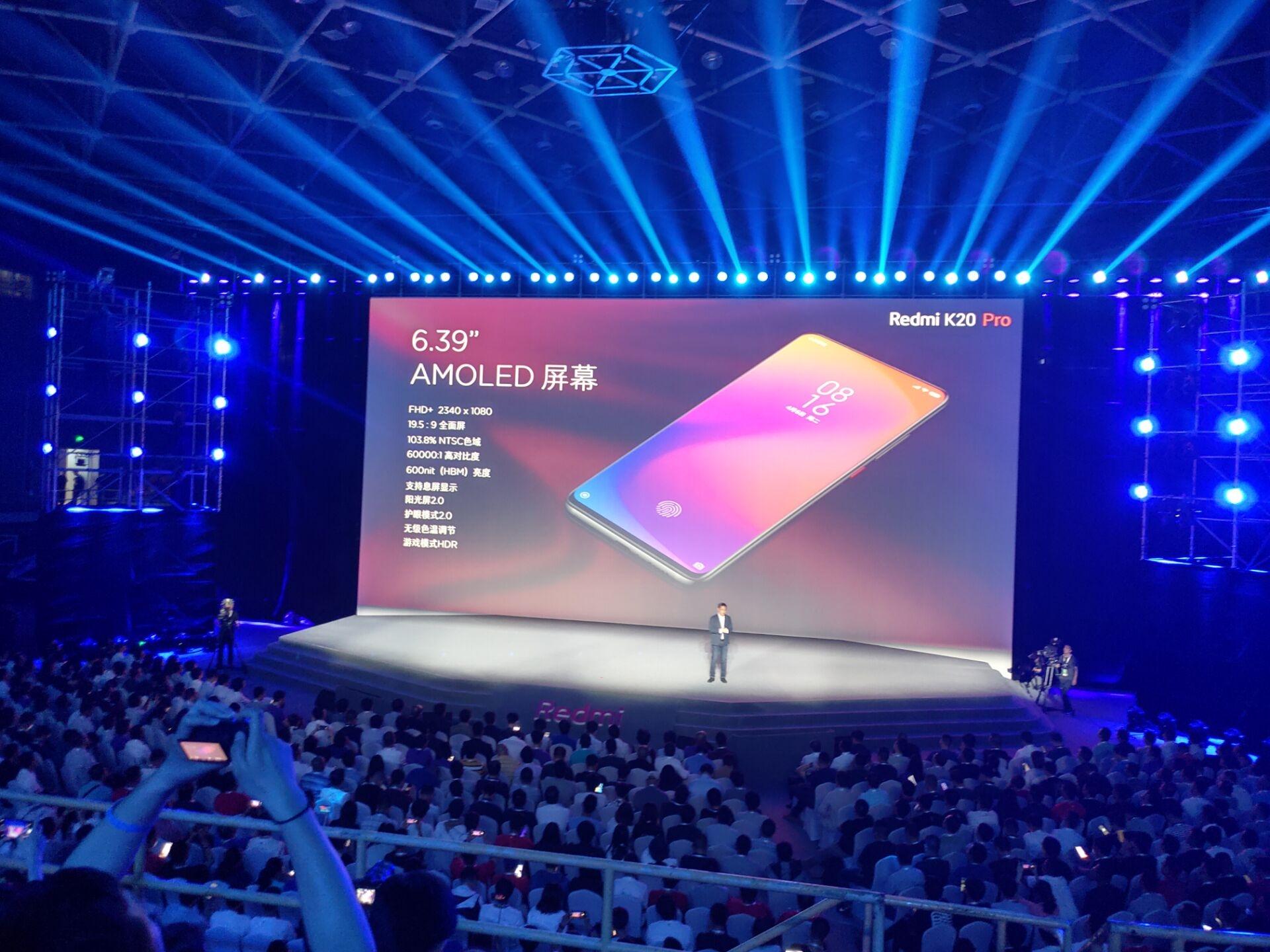 Redmi K20 Pro tích hợp màn hình Super AMOLED 6,39 inch với độ phân giải Full HD+.