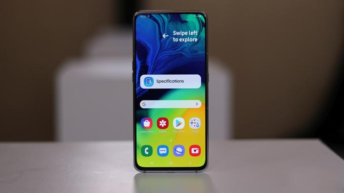 Galaxy A80 trang bị màn hình tràn viền không khiếm khuyết