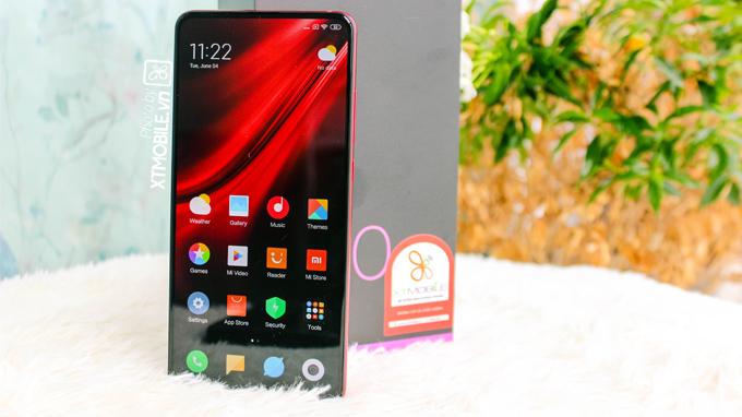 Redmi K20 Pro còn được chạy hệ điều hành mới nhất Android 9 Pie với giao diện MIUI 10