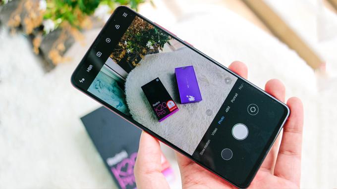 Redmi K20 Pro 256GB cũng được trang bị hệ thống 3 camera ấn tượng