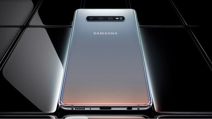 Galaxy S10 Plus màu bạc sẽ có cấu hình tương tự bản tiêu chuẩn