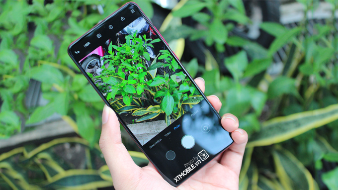 Redmi K20 giá rẻ cũng được trang bị hệ thống 3 camera
